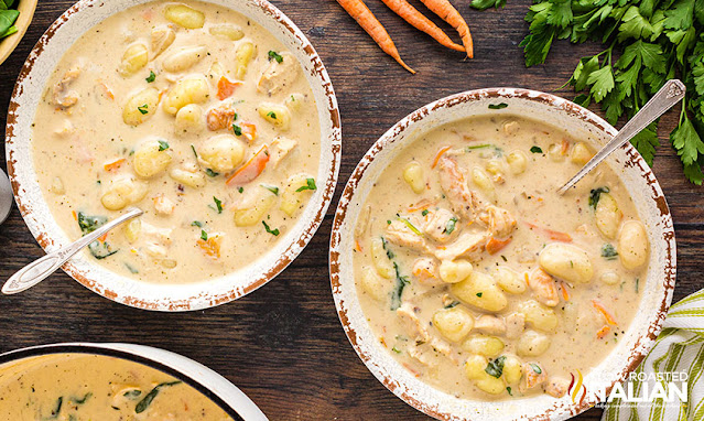 olive garden chicken and gnocchi soup in bowls