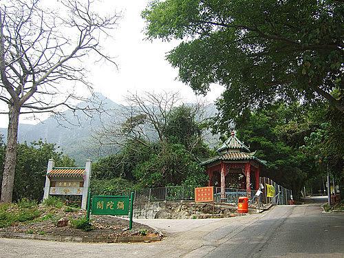 L J 的光影紀錄: 佛教叢林-青山寺徑
