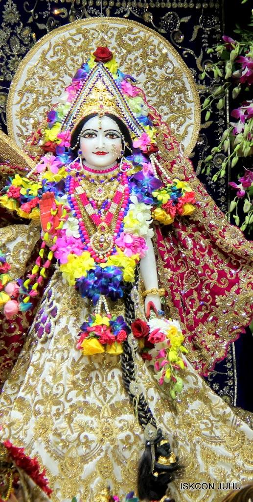 ISKCON Juhu Sringar Deity Darshan on 25th August 2016 (15)
