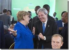 Paolo Gentiloni con Angela Merkel