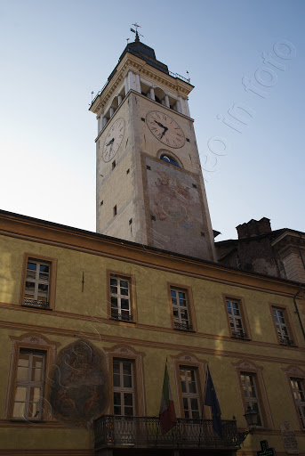 fotografie torre civica cuneo