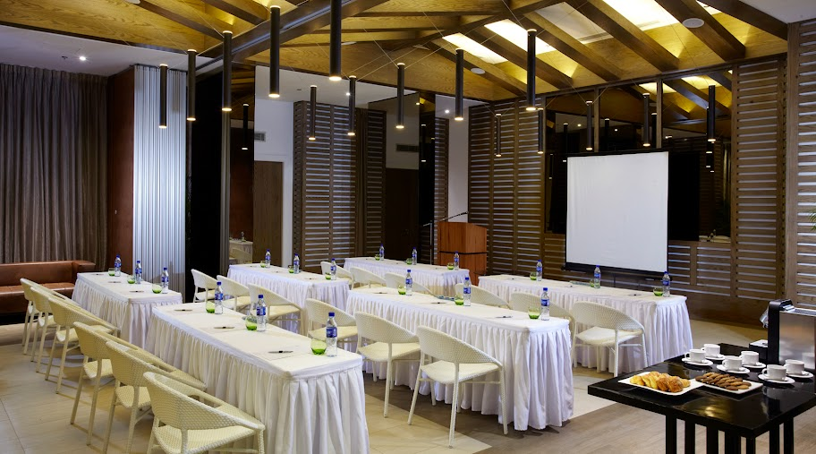 Movenpick Cebu meeting room