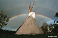 """""""Het kleine Paradijs"""", tipi met regenboog"""