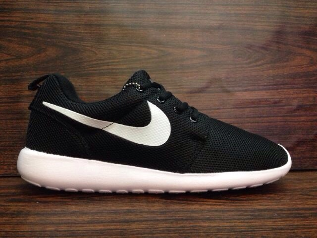 Roshe Courir Nike Chaussures Adidas