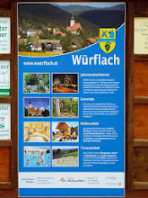 Photo: Am Treffpunkt bei der Raika  studiere den neuen Prospekt von Würflach.