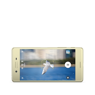 Xperia X Gold Front Horiz.png