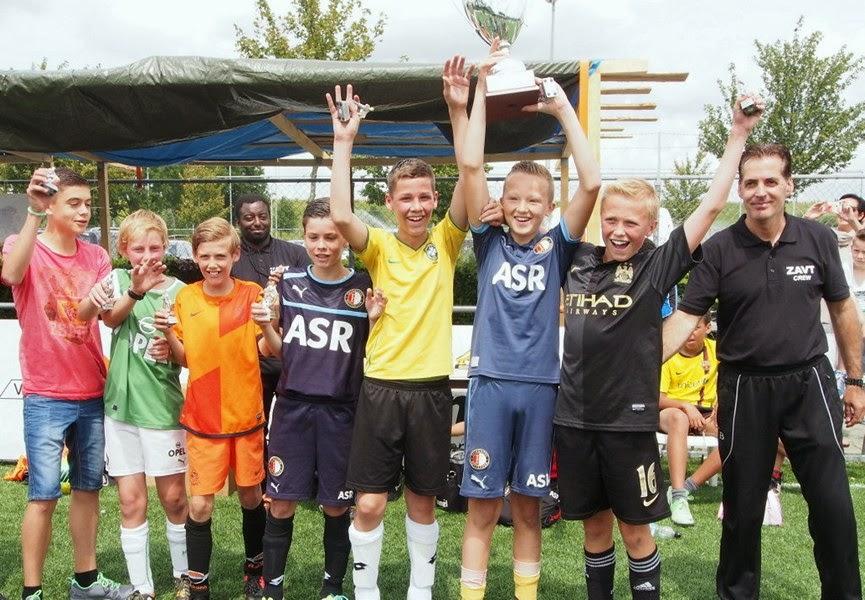 5. Spanje wint de finale in de klasse 11-13 jaar.jpg