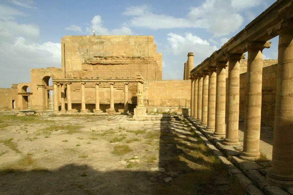 IS militants destroy ancient Hatra in northern Iraq