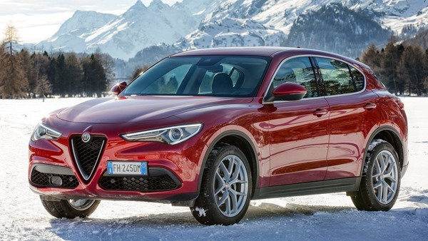 Alfa_Romeo-Stelvio-front