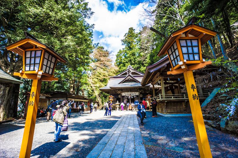新倉富士浅間神社 本殿 写真1