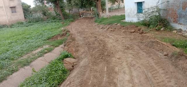 प्रशासन ने पुरानी नहर को तोड़ा, ग्रामीणों ने सिंचाई विभाग को शिकायत की
