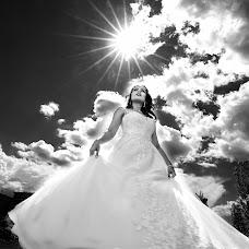 Wedding photographer Dulat Satybaldiev (dulatscom). Photo of 26.04.2019