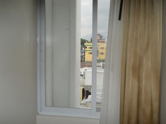 デベラホテル - スタンダードルームの窓