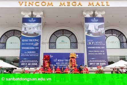 Hình 1: 800 lượt người tham quan căn hộ mẫu R6 - Vinhomes Royal City