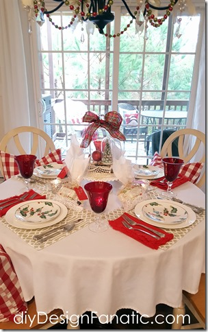 Christmas, Christmas Breakfast Room, Cottage, Cottage Style, Christmas Tablescape