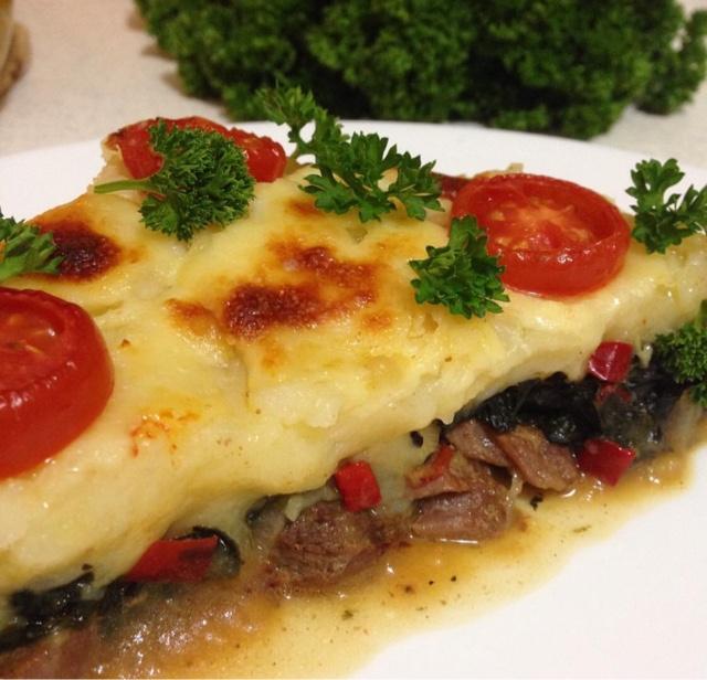 Fırında Ispanaklı Biftek Tarifi