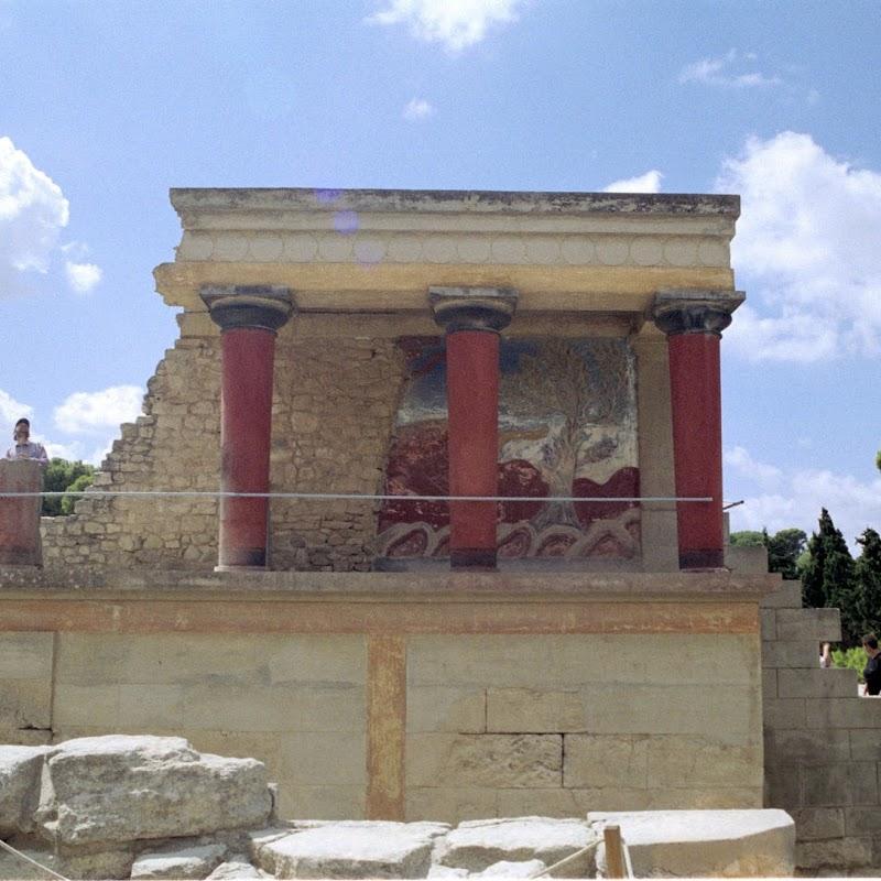Crete_12 Knossos Building.jpg