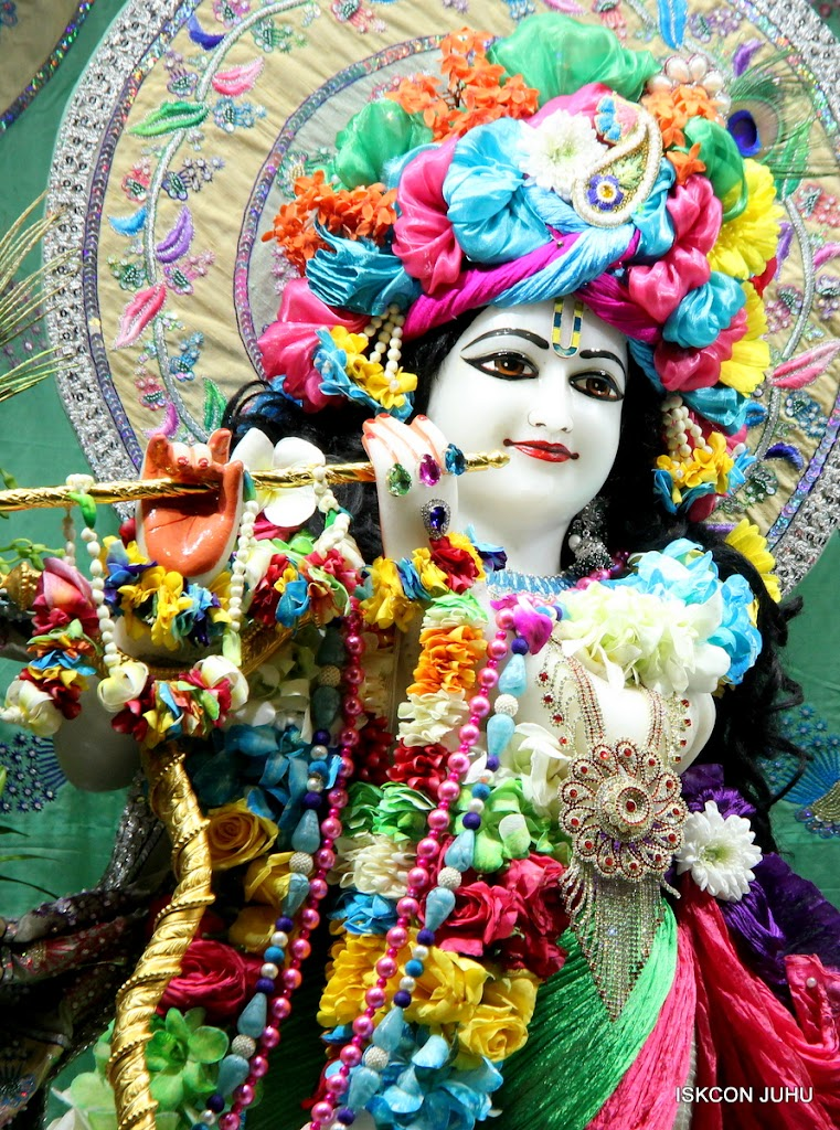 ISKCON Juhu Sringar Deity Darshan on 26th Aug 2016 (21)