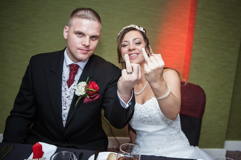 wedding-couple-middle-finger