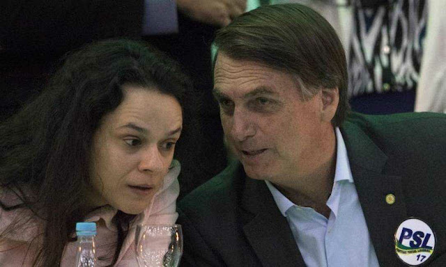 Bolsonaro Bloqueia Janaína Pascoal no Twitter