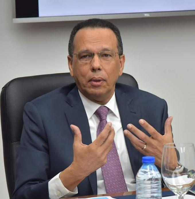 Ministro Peña Mirabal dice  que suspensión de docencia por la Navidad es el 20 de diciembre