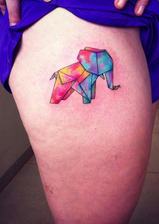 Este elefante colorido