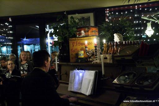 concert in kerstsfeer met cantiloon en palet overloon 13-12-2011 (7).JPG