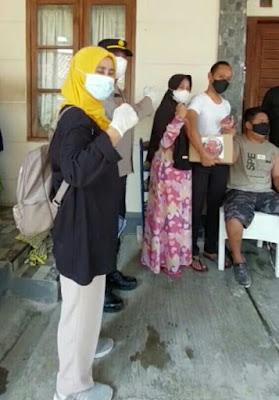 Ratusan Orang Dalam Gejala Dan Penyandang Desabilitas Kecamatan Sukatani Divaksin