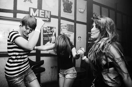 Bailando by Robby Campbell