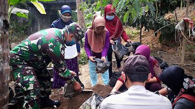 Babinsa Hargotirto Semangati Anggota KWT Sukseskan Gempar