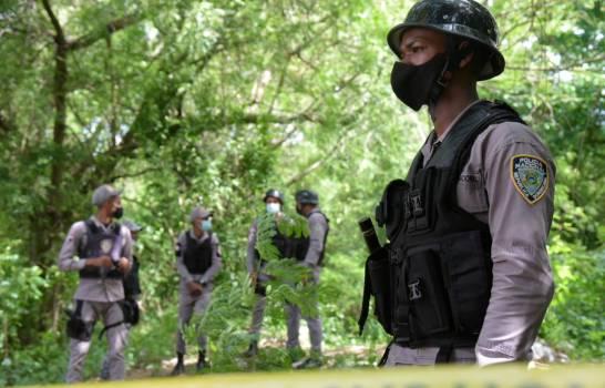 Santiago: Horroroso! Encuentran muerta y colgada de un árbol a una niña de seis meses