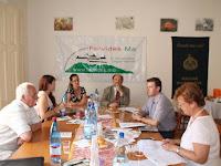 05 Megérkezett Dr. Csobolyó Eszter és Dr. Bóna Zoltán, a Pest Megyei Civil Információs Centrum munkatársai.JPG