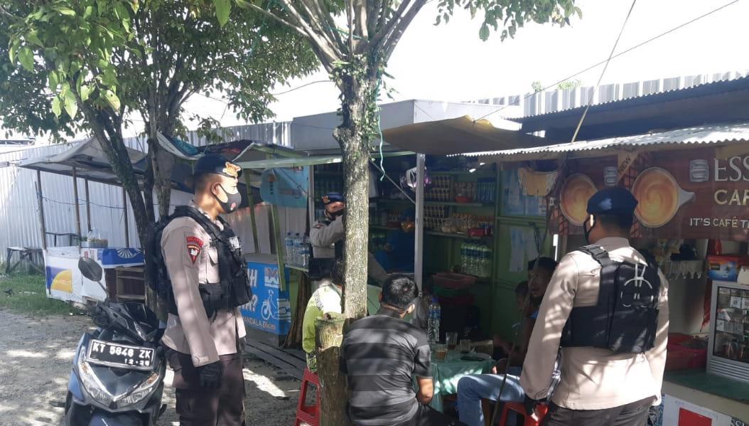 Patroli Sambang, Brimob Batalyon A Pelopor Ajak Masyarakat Balikpapan Jaga Kamtibmas Dan Laksanakan Protokol Kesehatan