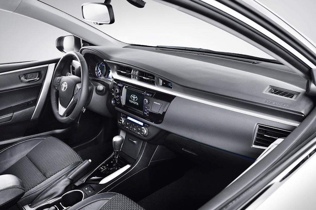 Yeni-2014-Toyota-Corolla-ic-mekan-kabin-2