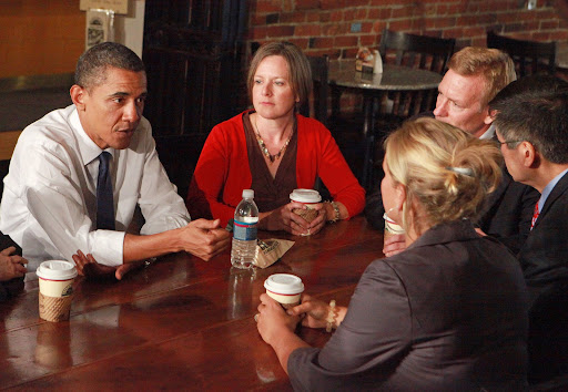 OBAMA VISIT - SEATTLE - 8/17/2010 President Obama attends a roundtable discussion at Grand Central Bakery in Seattle, Tuesday, August 17, 2010, where Obama met with local business owners. Clockwise from left:  Obama; Gillian Allen-White, General Manager Grand Central Baking Company; Joe Fugere, founder of Tutta Bella Neapolitan Pizzeria; U.S. Secretary of Commerce Gary Locke and Tiffany Turner of the Inn at Discovery Coast.  (POOL PHOTO/Ken Lambert, Seattle Times)