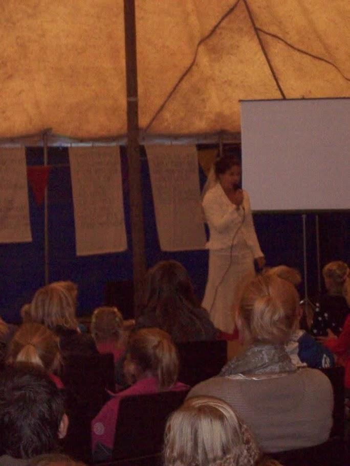 Witte tent VBW 2011 - 4.JPG