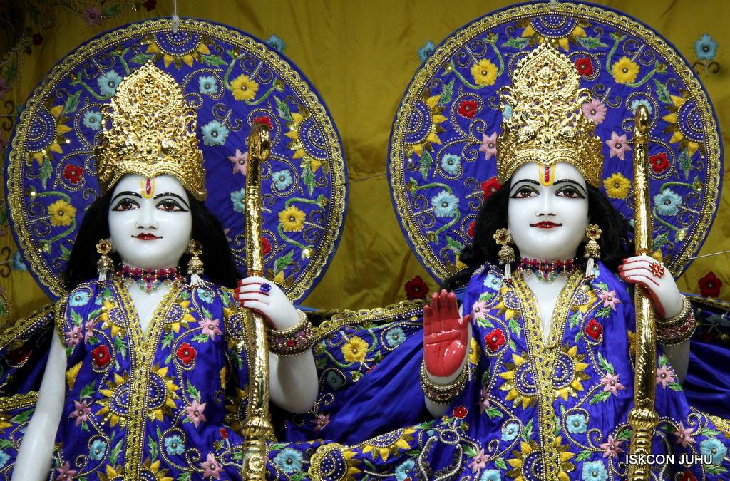 ISKCON Juhu Sringar Deity Darshan on 2nd Oct 2016 (10)