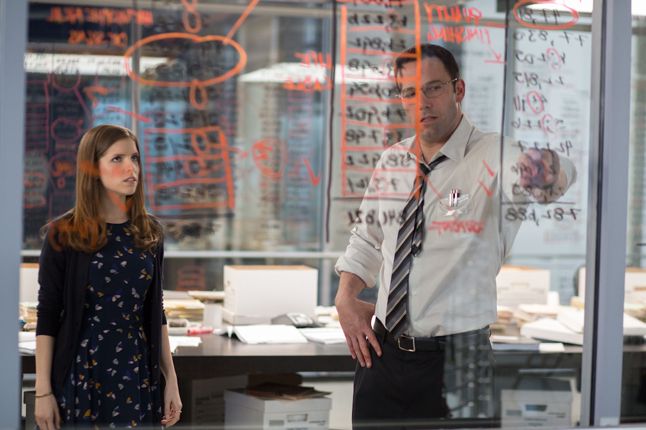 (L-r) ANNA KENDRICK as Dana and BEN AFFLECK as Christian in THE ACCOUNTANT. (Photo credit: Chuck Zlotnick © 2016 Warner Bros. Entertainment)
