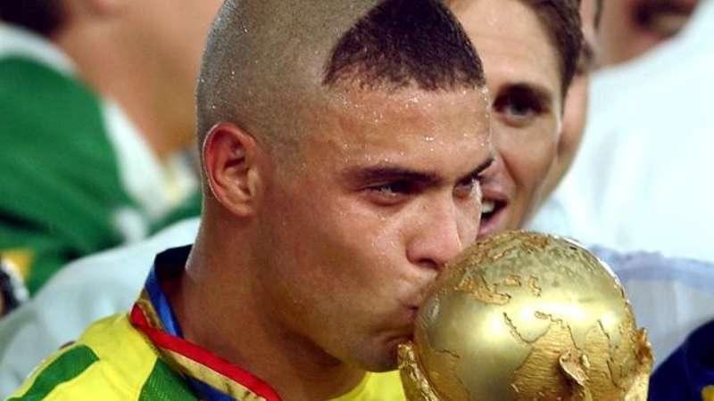 Foto Gaya Rambut Ronaldo De lima Terbaru