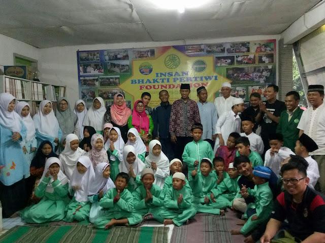 Forum Jurnalis Bekasi Gandeng Grand Zurri Hotel Bubker dengan Anak Yatim