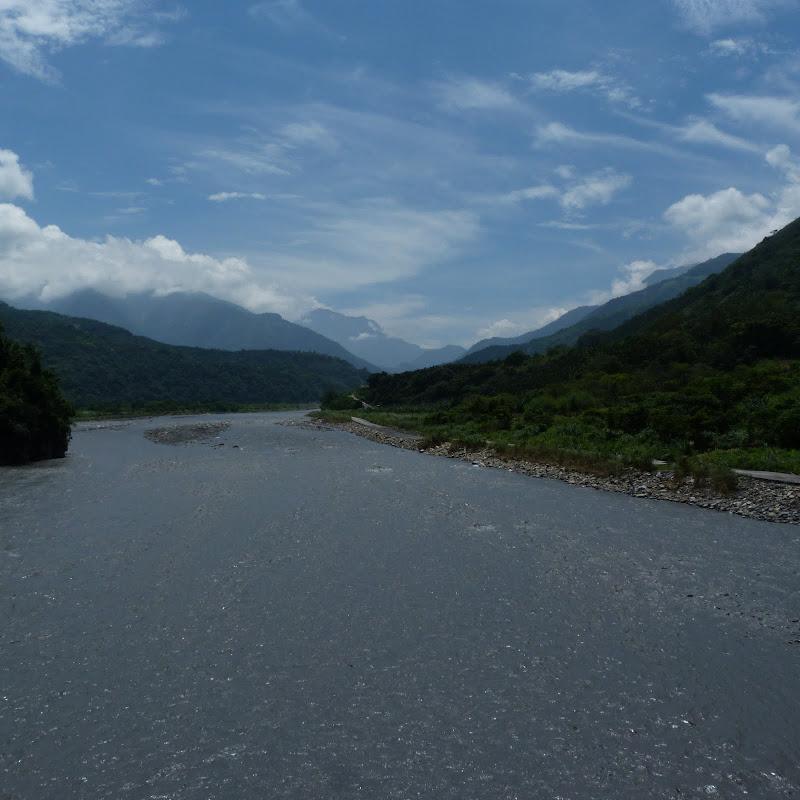 Puli  en passant , entre autres, par les villages de l ethnie Bunum de Loloko et Dili. J 10 - P1160840.JPG