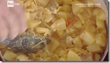 Pasta e patate con provola filante
