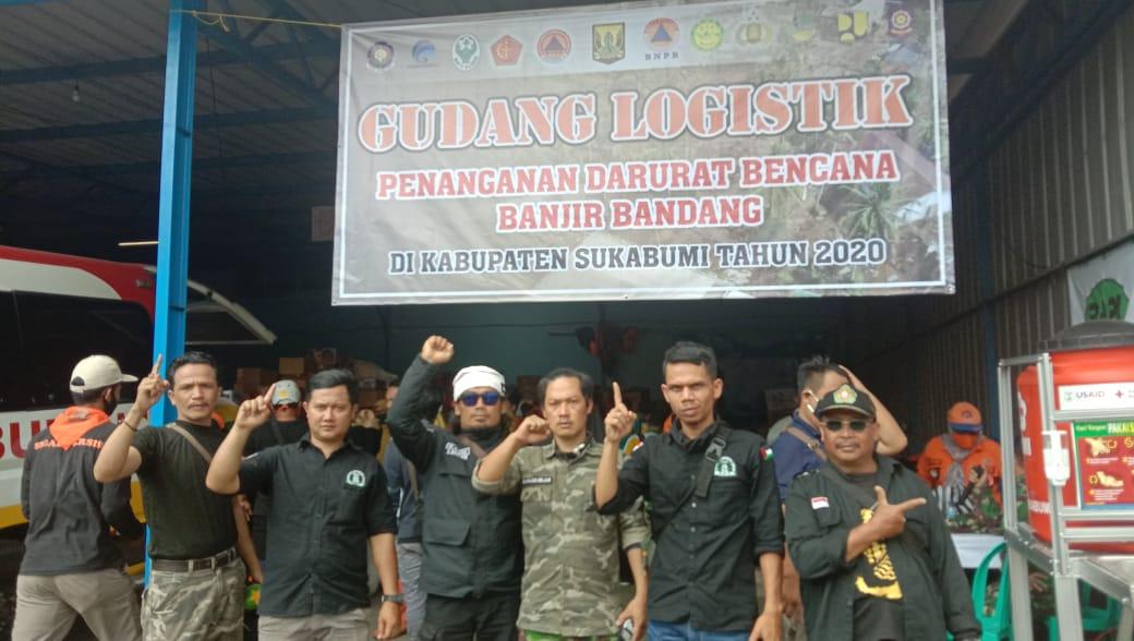 H. Cecep Hermawan Ketua Umum Garis Berikan Bantuan Pasca  Banjir Bandang Cicurug, Sukabumi