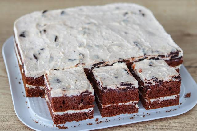 ciasta i desery, biszkopt kakaowy z 5 jaj, biszkopt z kremem mascarpone, krem mascarpone z białą czekoladą, krem do ciasta z ciasteczkami,szybkie ciasto na weekend,