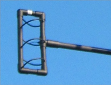 G8JNJ's interesting Mixed Mode Helix antenna                     (versions for 70 cm and 2 m) provides                     omnidirectional gain and circular polarization -                     good for both terrestrial and satellite operation.                     Simple construction.                     http://www.g8jnj.net/mixedmodehelical.htm