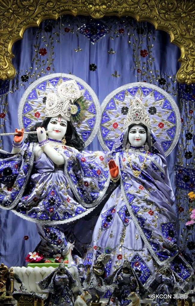 ISKCON Juhu Mangal Deity Darshan on 11th Aug 2016 (17)