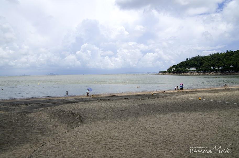久違的黑沙海灘