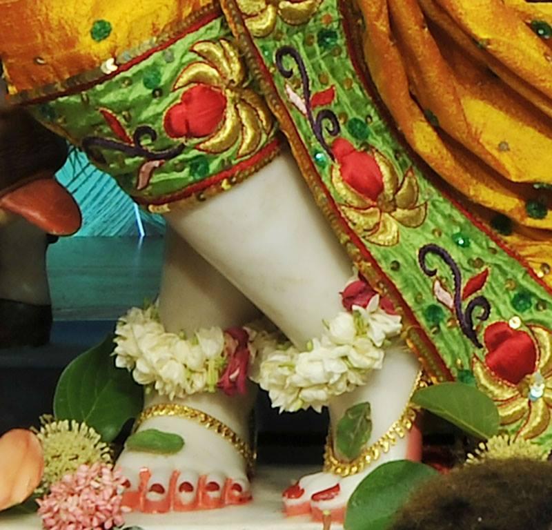 ISKCON Chowpatty Deity Darshan 11 May 2016 (13)
