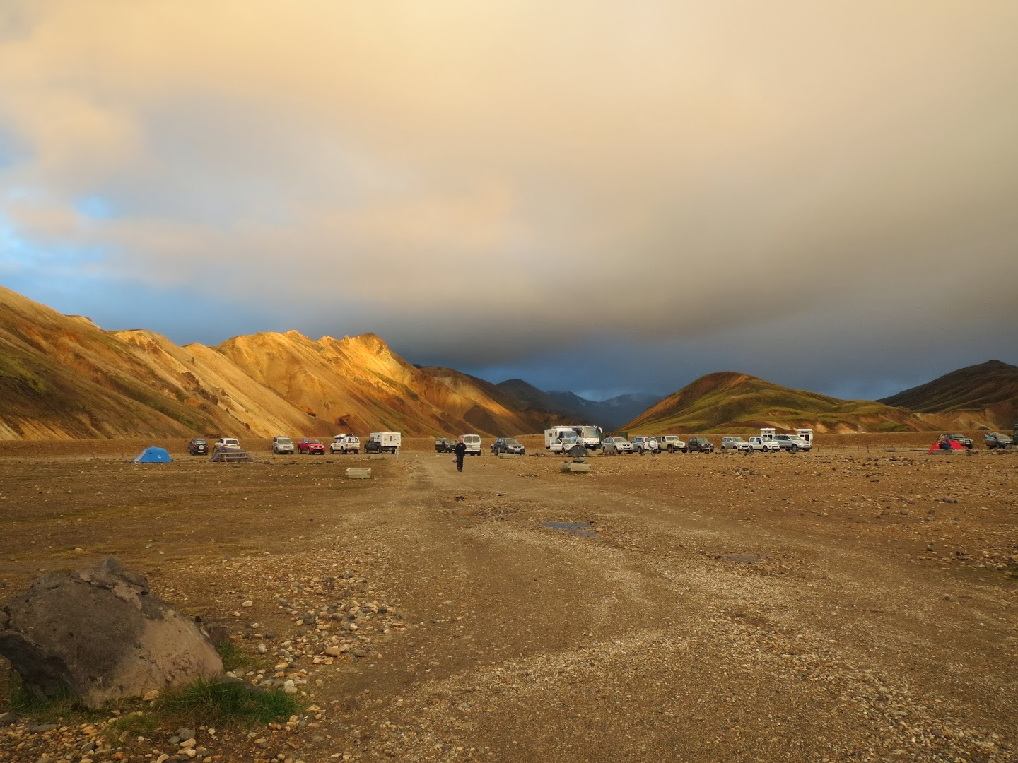 Landmannalaugar parking lot. All 4WD vehicles. Shenghong