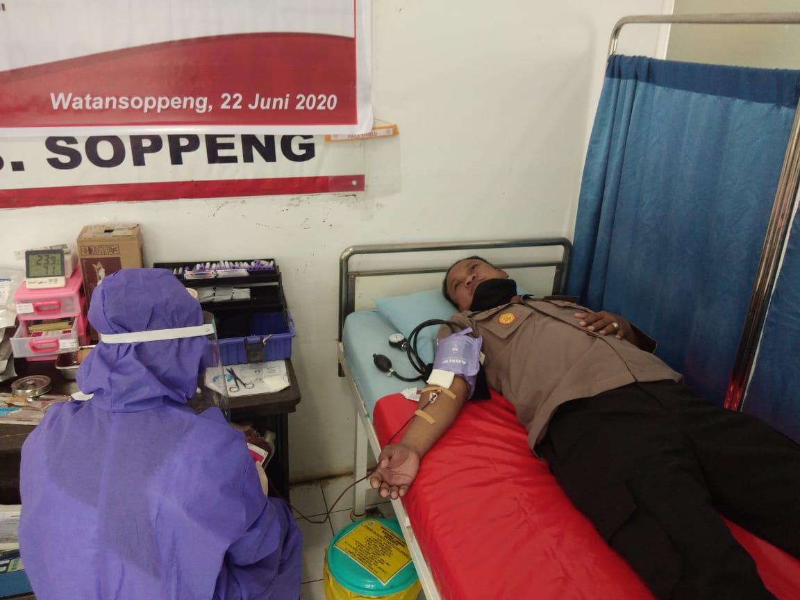Sambut Hari Bhayangkara ke - 74, Polres Soppeng Gelar Donor Darah